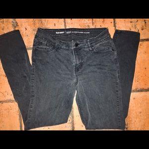 Old Navy super skinny mid rise jeans in black - 6